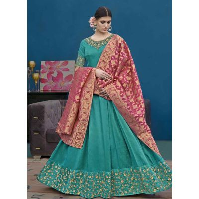Women Salwar Kameez Green color Designer